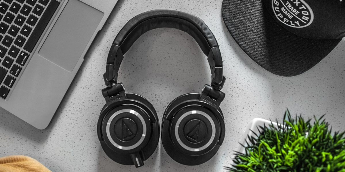 Best Noise Cancelling Headphones Under 200 – Updated Picks 2020