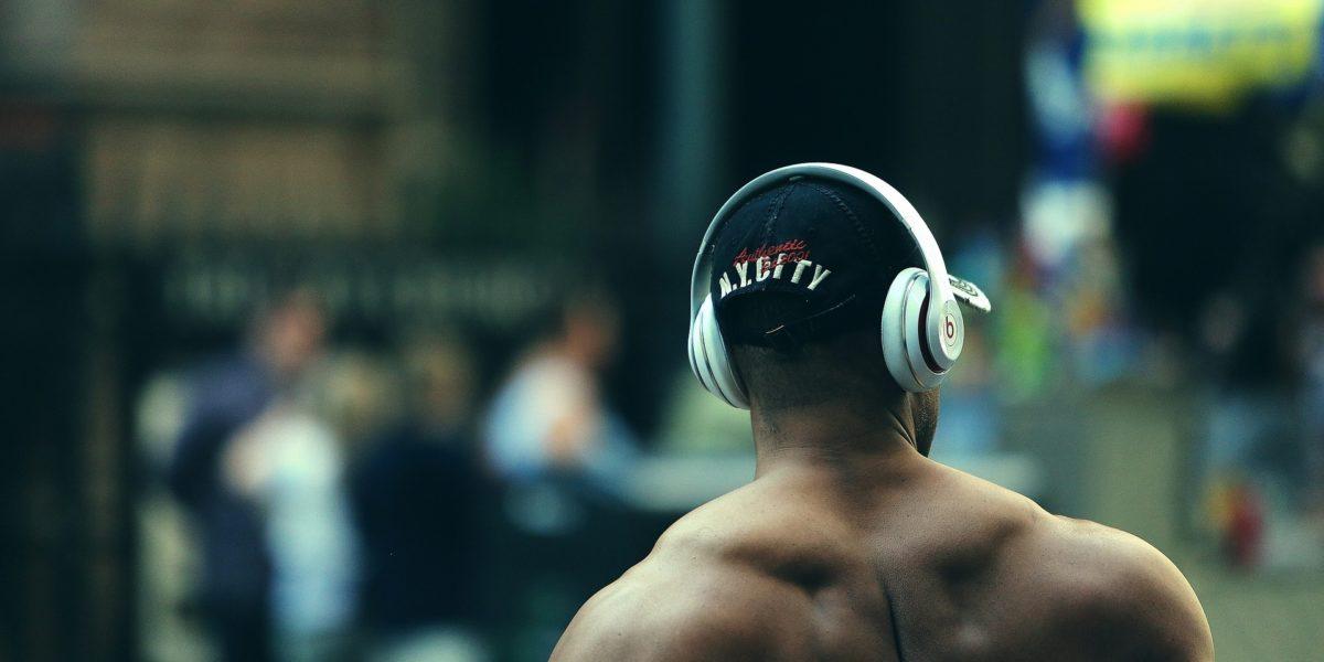Best Wireless Headphones Under 200